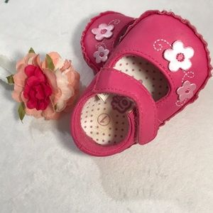 Shoes - ❤️$3❤️ min order of $9